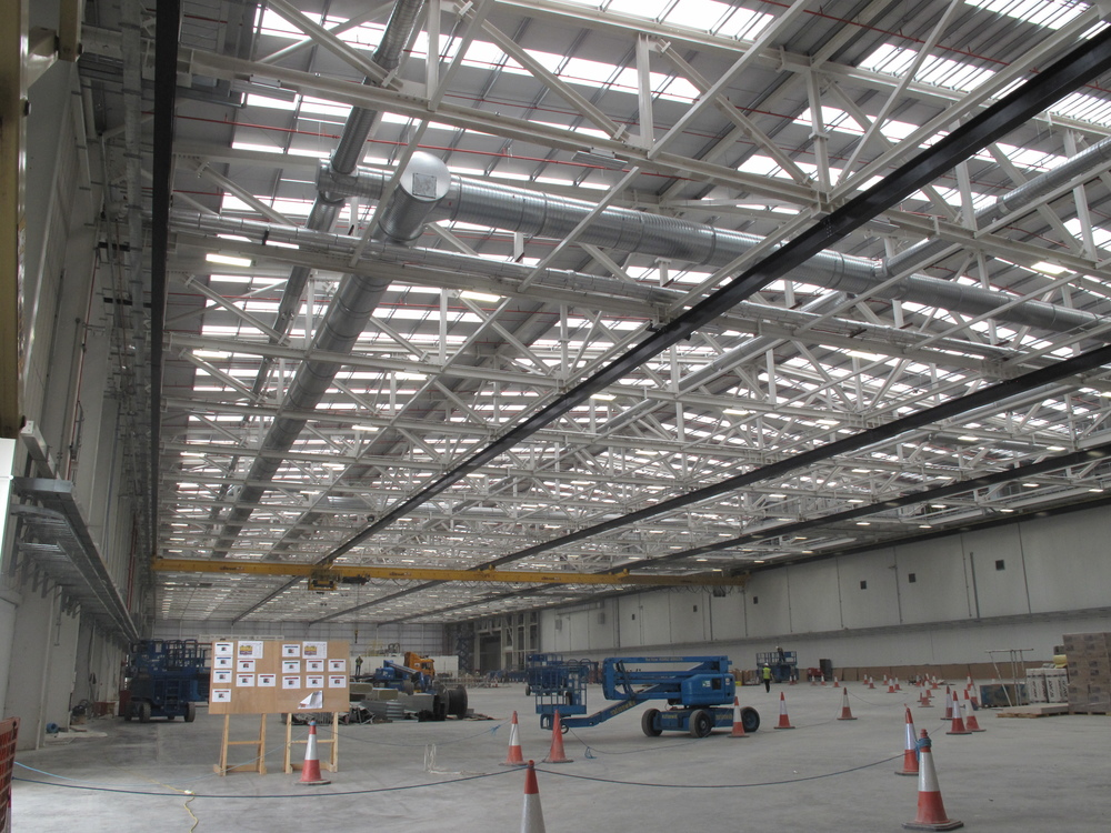 Production  facility for Bombardier using the new Taison Wave T5 fluorescent high bay.