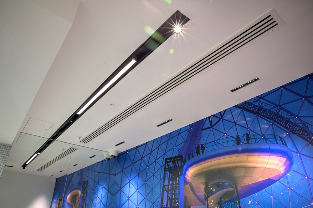 Victoria Square Visitor Centre features iGuzzini's new System 53 recessed channel which incorporates Laser Blade, iN30 and adjustable projectors.