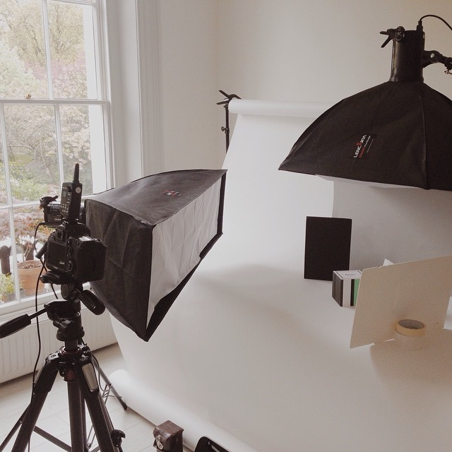 The usual complex lighting setups today! With @atissu_pics #studio #tissues #cubes #graphic #pulse2015