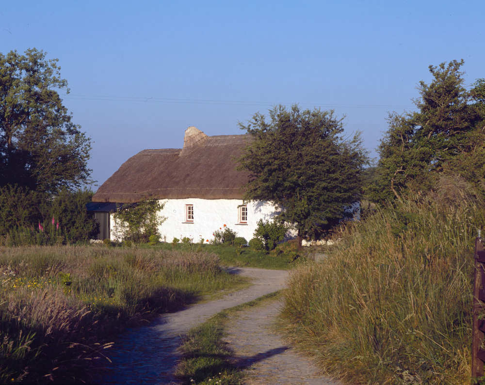 Ty Unnos Welsh House cottage 6.jpg