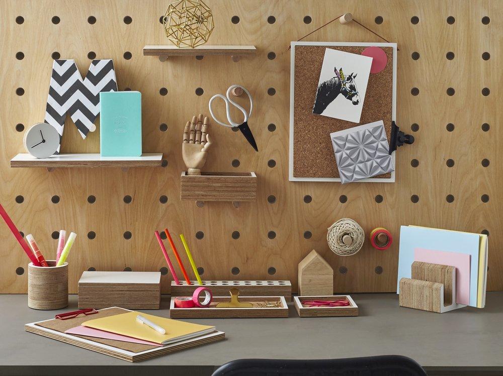 Kreisdesign_Desk_pegboard_fluo_acc_3_V1.jpg