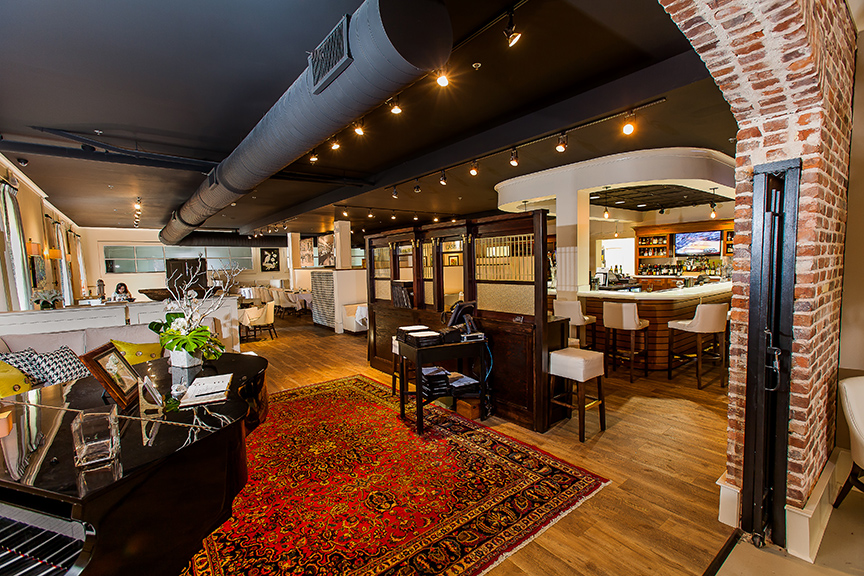 Victor's Bistro Foyer