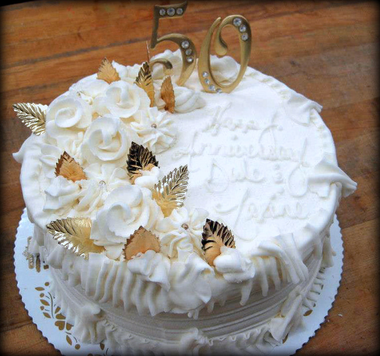 Round Fiftieth Anniversary Cake