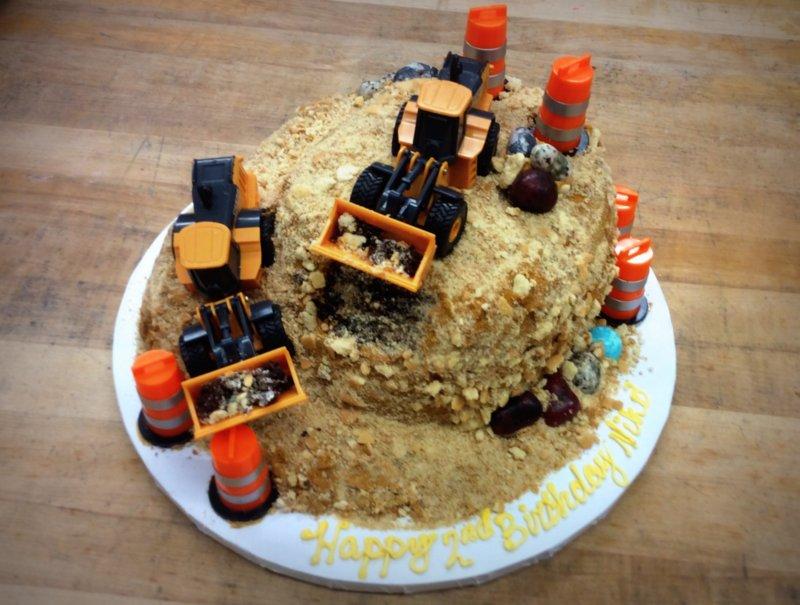 Round Construction Cake