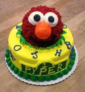 Sesame Street Round Cake With Elmo Topper