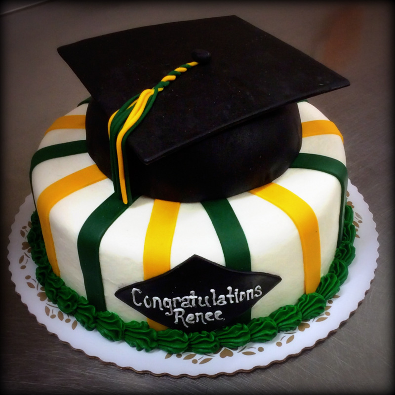 Graduation Cake with Graduation Cap Cake Topper