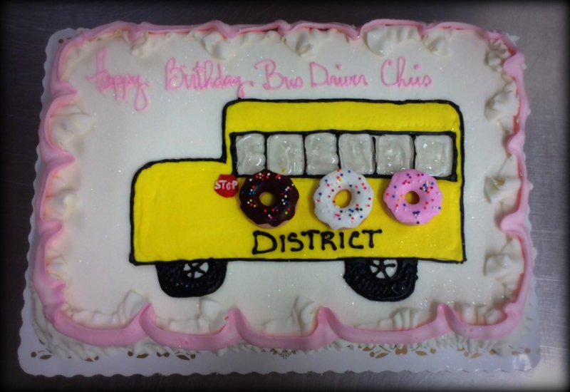 Sheet Cake with Piped School Bus