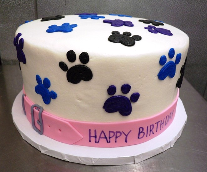 Round Cake with Paw Prints and Collar