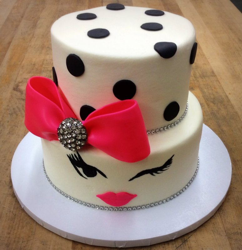 Party Cake with Bow and Face