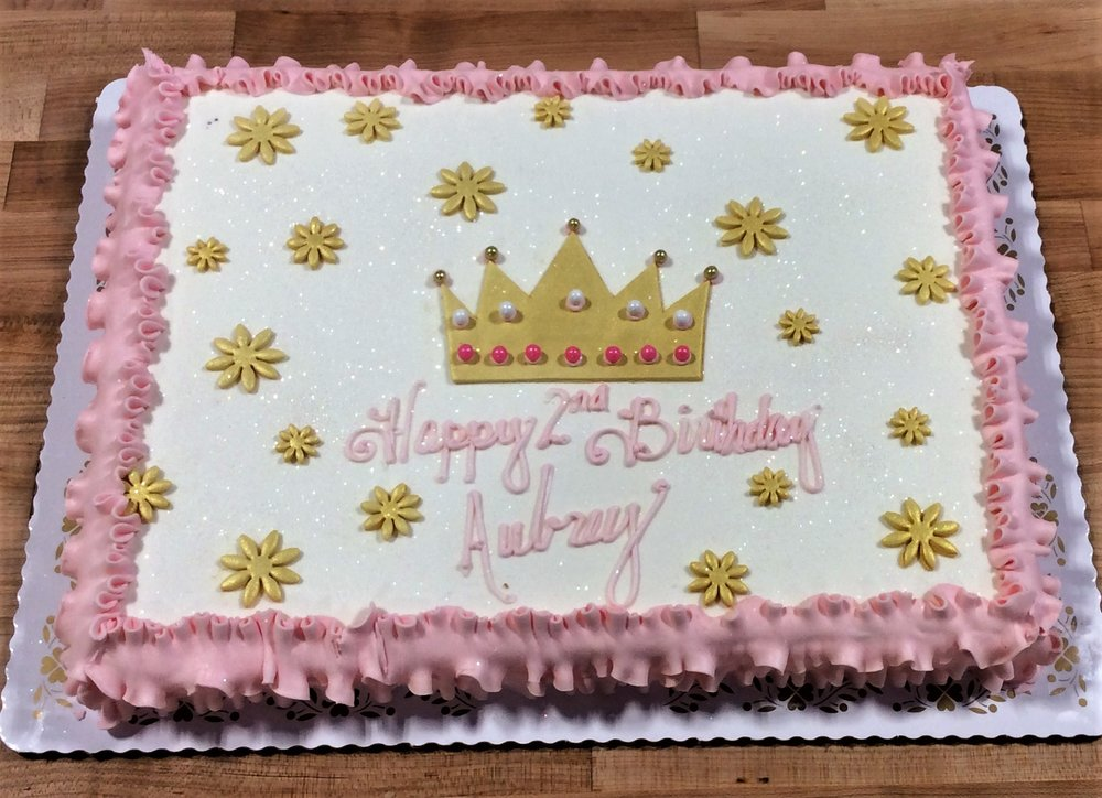 Sheet Cake with Fondant Crown and Daisies
