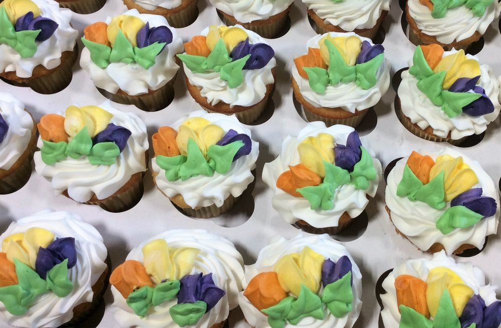 Cupcakes with Extra Flowers