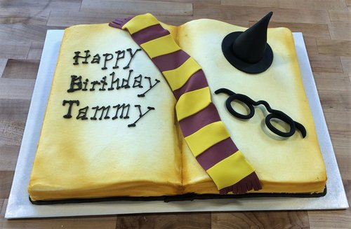 Harry Potter Book Shaped Cake 2017 03 17 175003