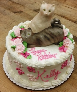 Round Cake with Custom Sculpted Fondant Cats Trefzgers Bakery
