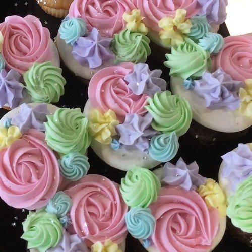 Fancy spring flower cupcakes trefzgers bakery fancy spring flower cupcakes mightylinksfo