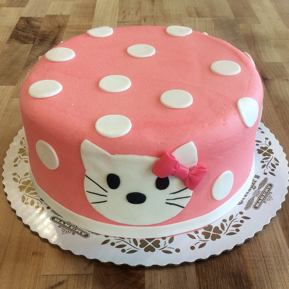Round Cake with Polka Dots and Cat
