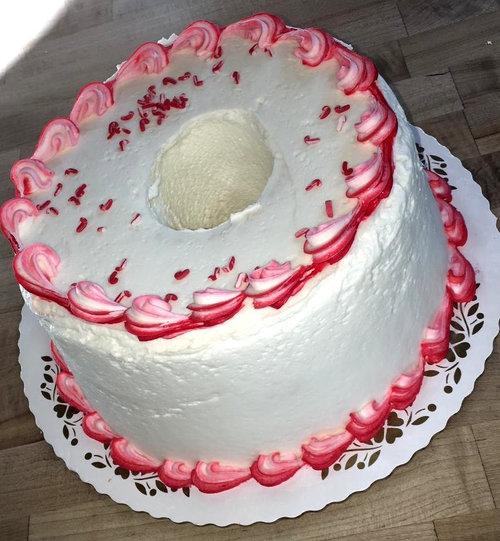 Peppermint Angel Food Cake Trefzger S Bakery