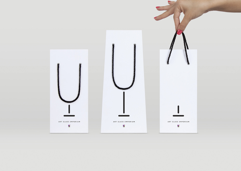 Various sizes of limited edition wine glass bags were made.