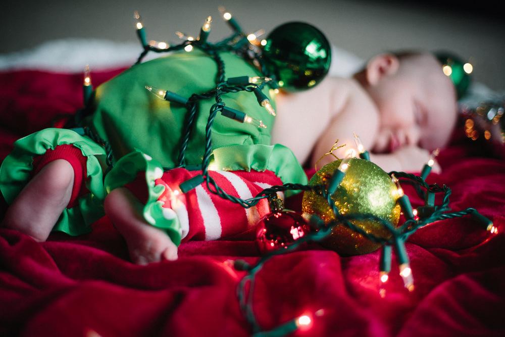 ChristmasAlivia_7.jpg