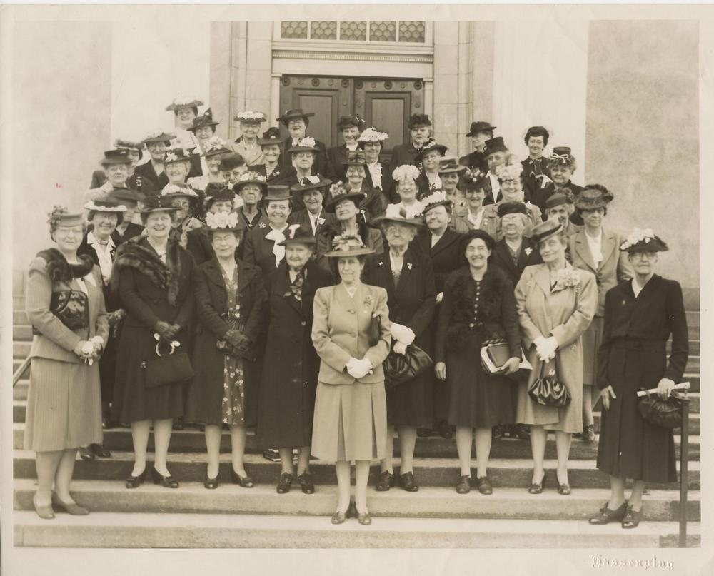 Ladies+on+church+steps+date+unknown,+c.+1930's,+from+Arzelle+Mi.jpg