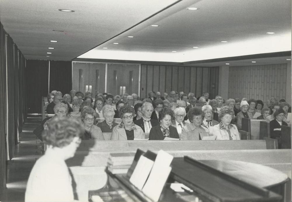 Williams+Bldg+chapel+prayer+meeting+c.+1970's.jpg