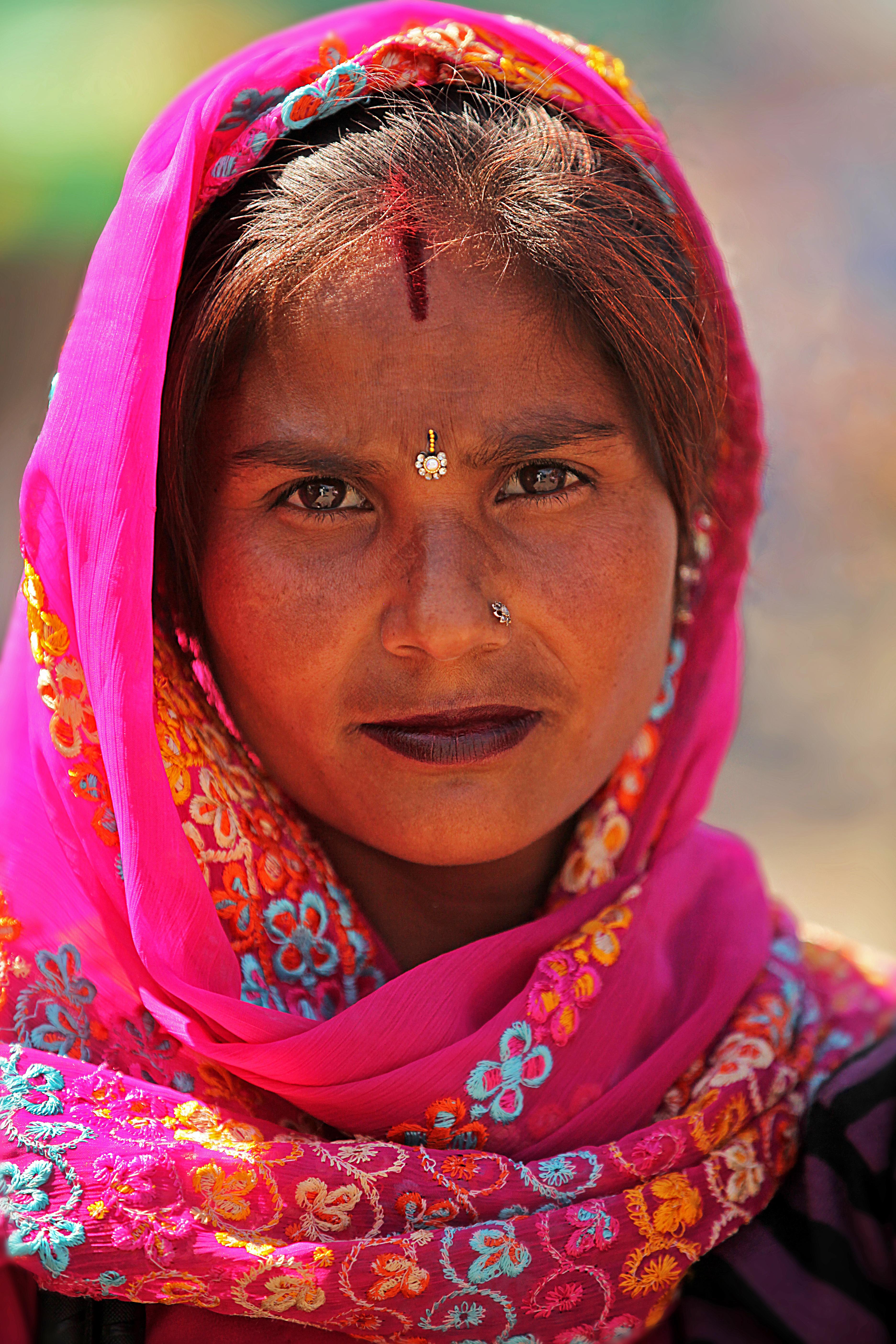 Rishikesh woman purple.jpg