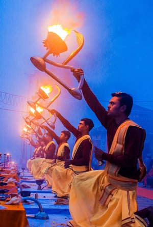 Morning Aarti               Ceremony at           Assi Ghat Varanasi