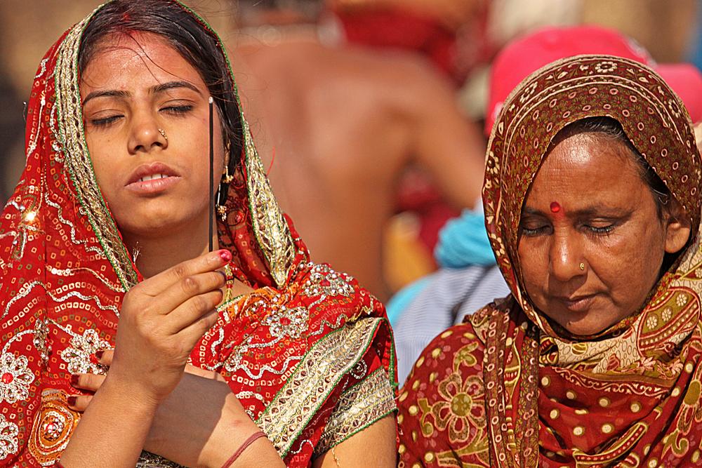 Varanasi W incense.jpg