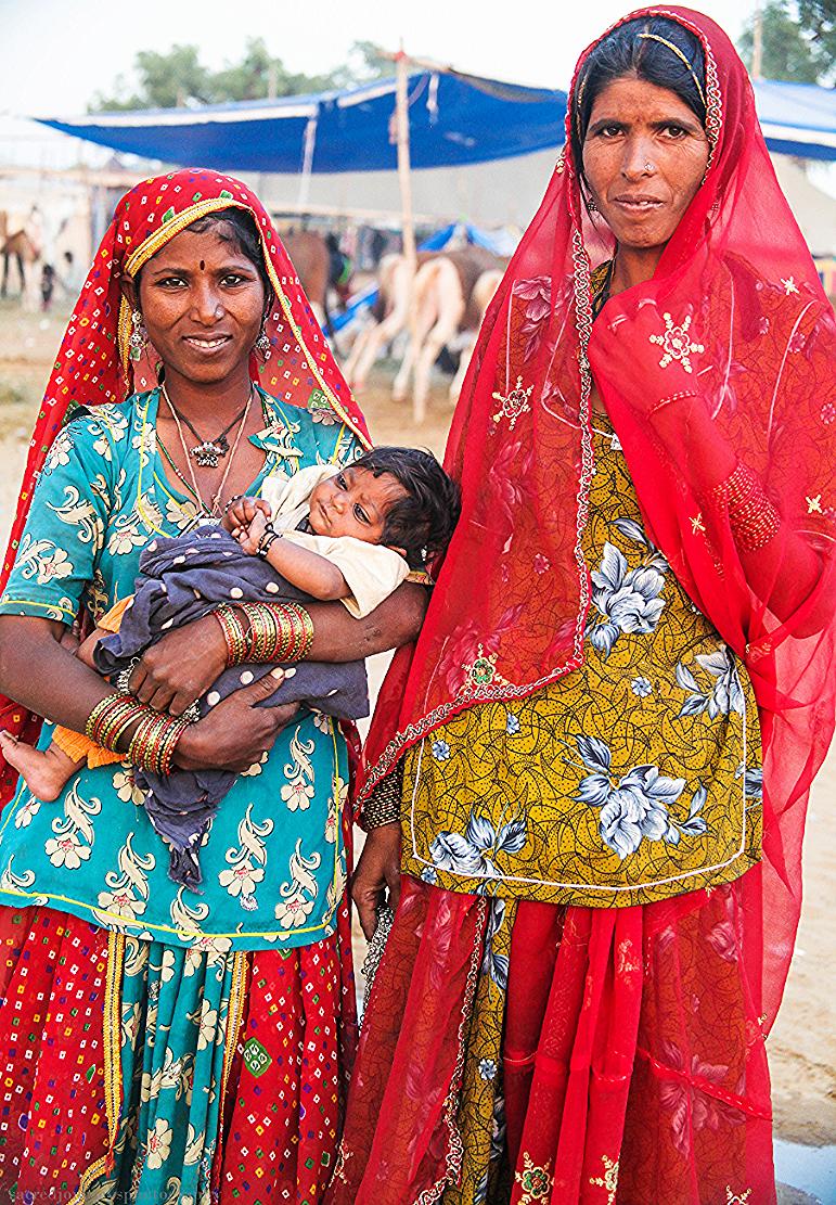Families W Pushkar women.png