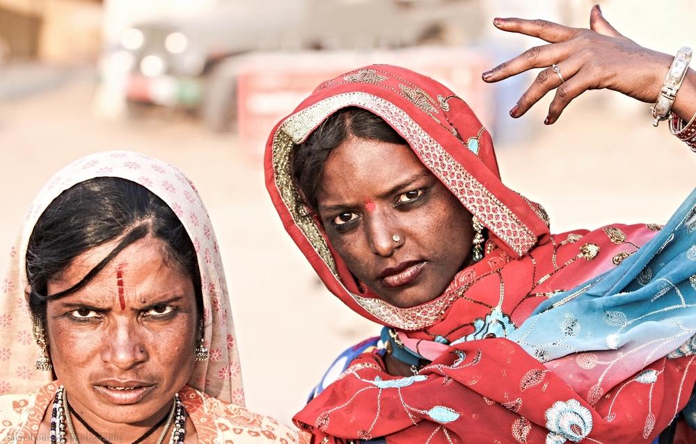 Pushkar two women dancers serious.jpg