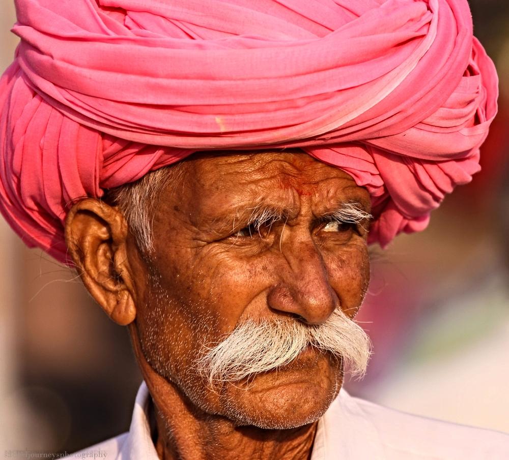 Pushkar pink turban.jpg