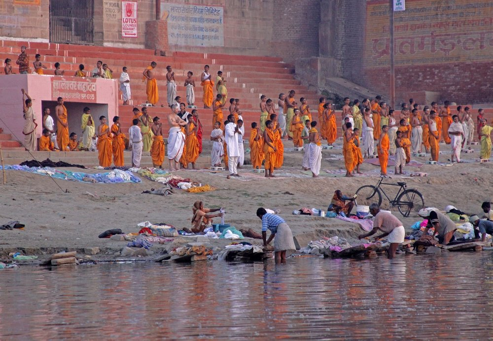 Varanasi+yoga+school.jpg