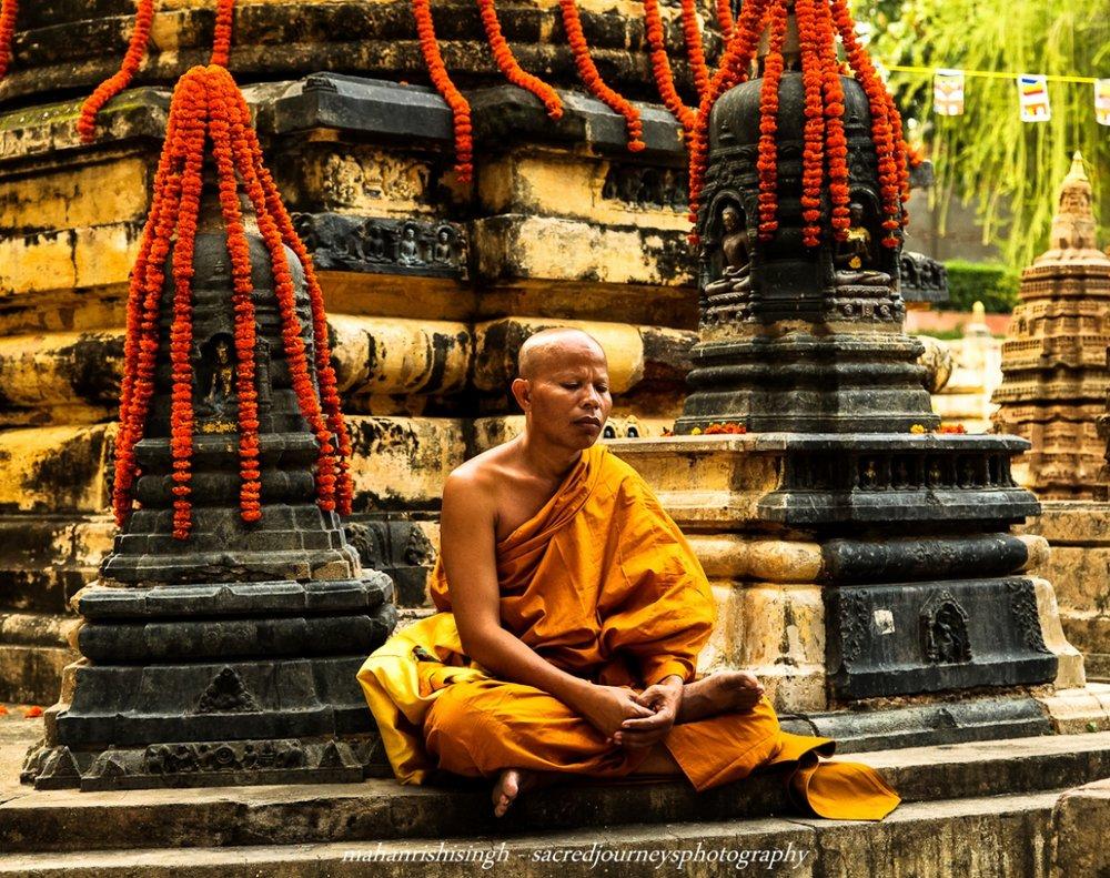 Buddhist+meditating+(1+of+1).jpg