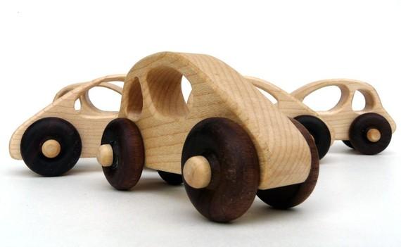 woodentoy01.jpg
