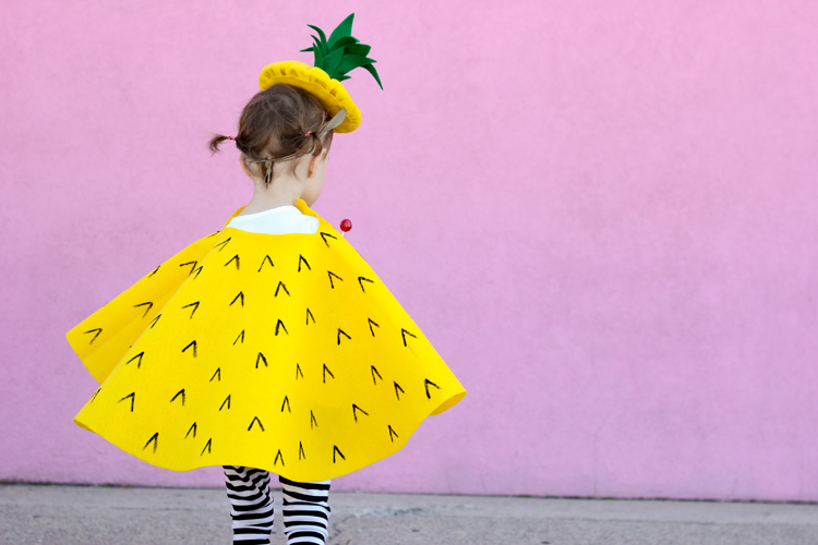 No Sew Pineapple Halloween Costume  vía  DELIA CREATES
