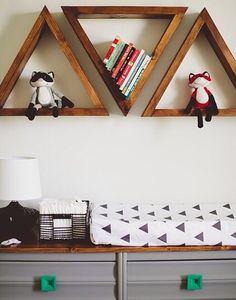 triangle shelves [víaheartwood]