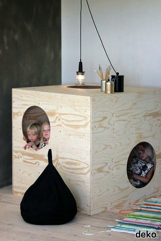 plywood in kids room [ vía  mommo-design  ]