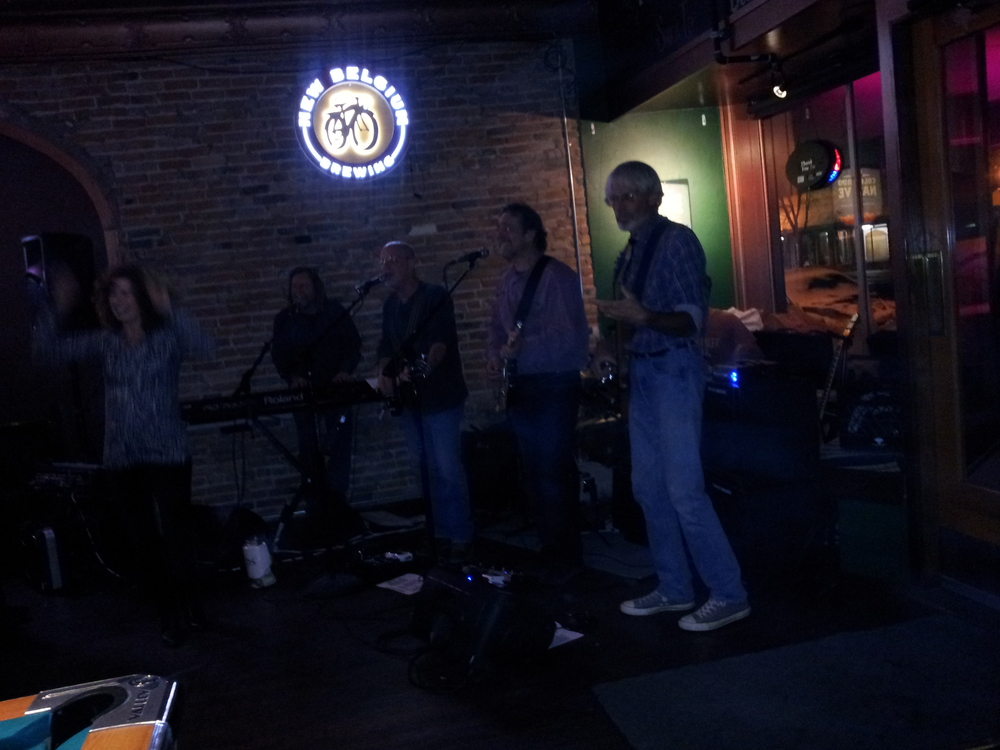 The David Starr Band  really got the joint hopping with some excellent covers and original music (November 10, 2012).  Stay tuned for future appearances again by this local favorite.