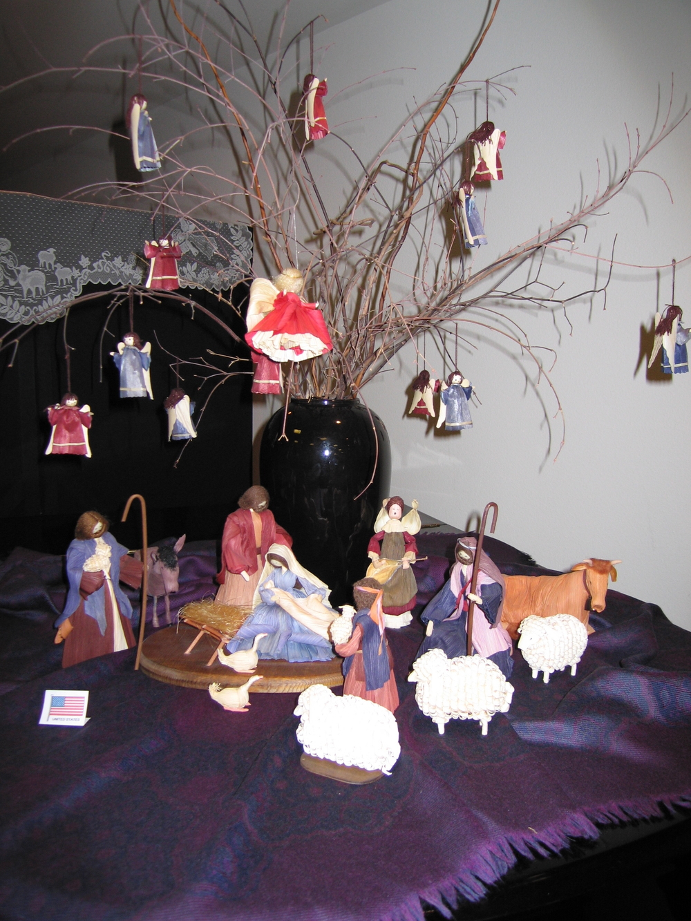Nan Cornhusk Nativity