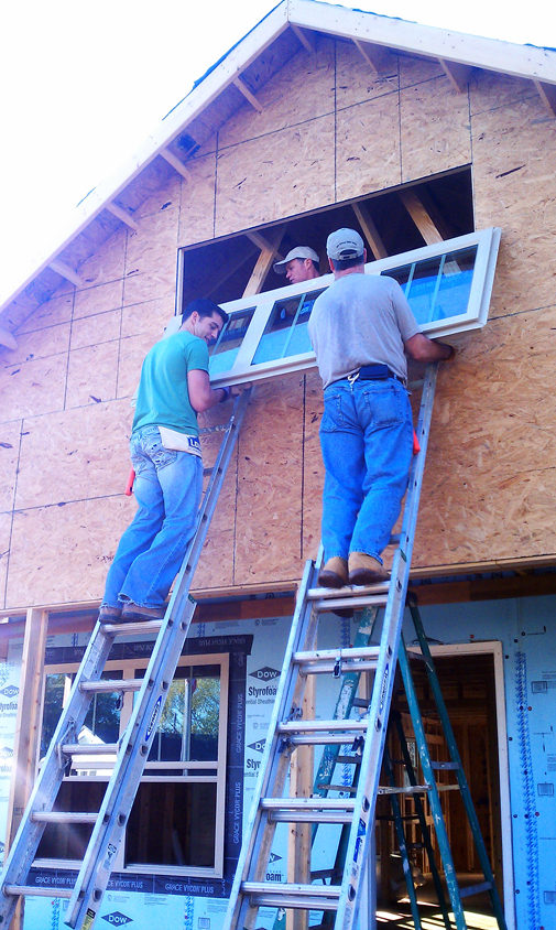 20120920-Habitat-Paul-Tim-ladders2.jpg