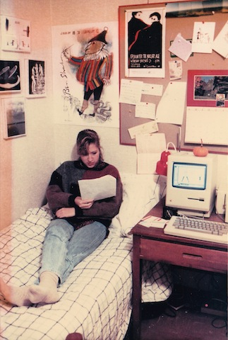 Note the Original Macintosh on the desk. I had that thing for 10 years! Loved it too!