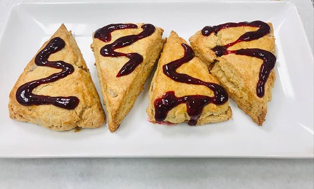 Did you know we make our scones from scratch? Our raspberry jammin' sauce by hand? We also value creativity. This morning one of the bakers shook things up a little to make PB&J scones. Got to taste them!