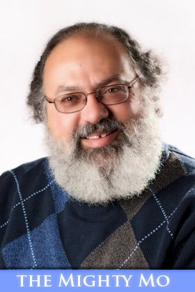 - Mo Abdelbaki has been a student of metaphysics for over fifty years. He studies and practices Tarot, Vedic Astrology and life. He was once considered a long-haired, bearded freak. As he submits to the occasional hair cut, he's no longer considered long-haired.