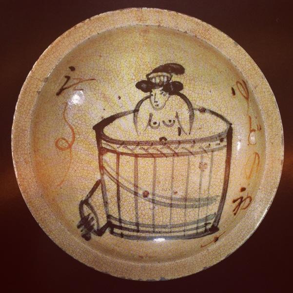温泉の絵の骨董皿。撮影は土門拳。山形県酒田市には土門拳記念館があります。
