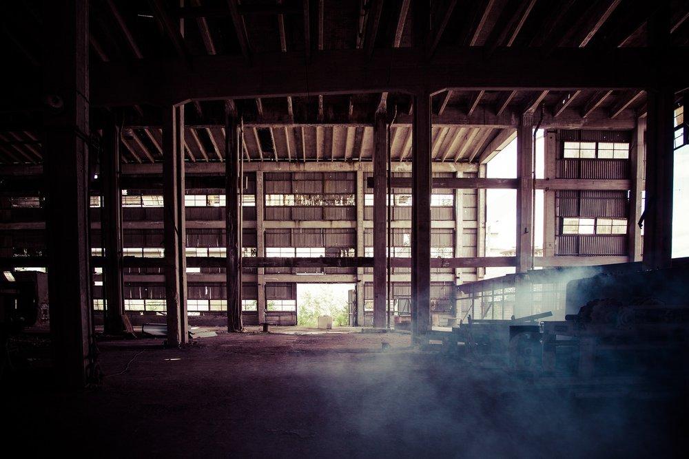 old-factory-1527389_1920.jpg