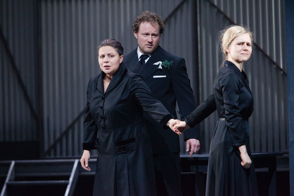 Theater Aachen,  Jenůfa   photo credit: Carl Brunn  with: Irina Popova, Linda Ballová