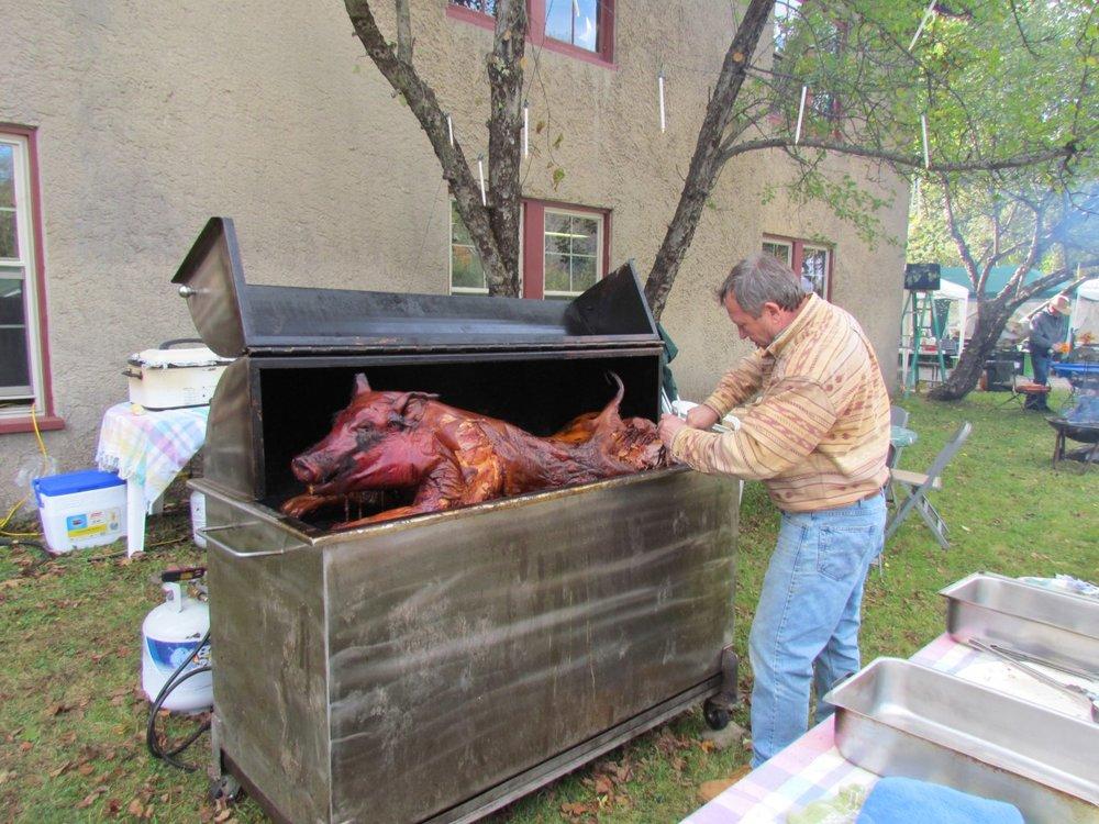 pig roasting.jpg