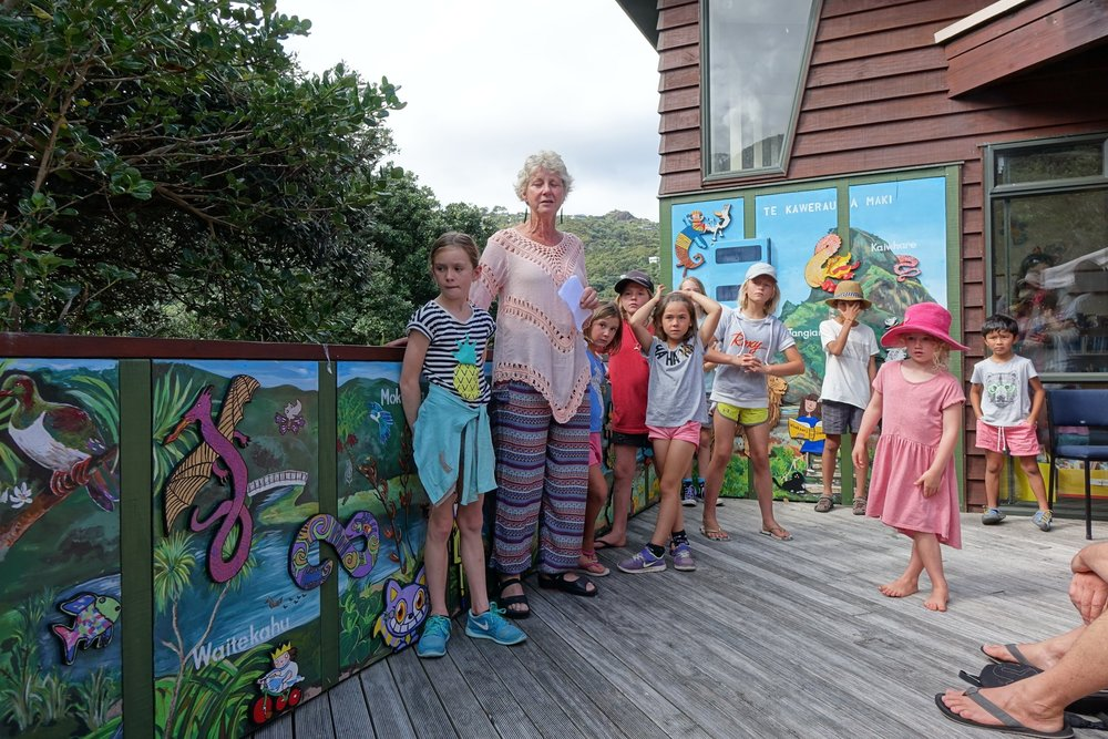 Piha Community Library Trust thanks artist Shelley France and local children for their work on the Library mural. Opened in March 2017.