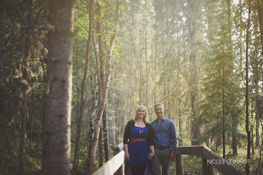 engagement_waskesiu_regina_travel_photographer_3.jpg