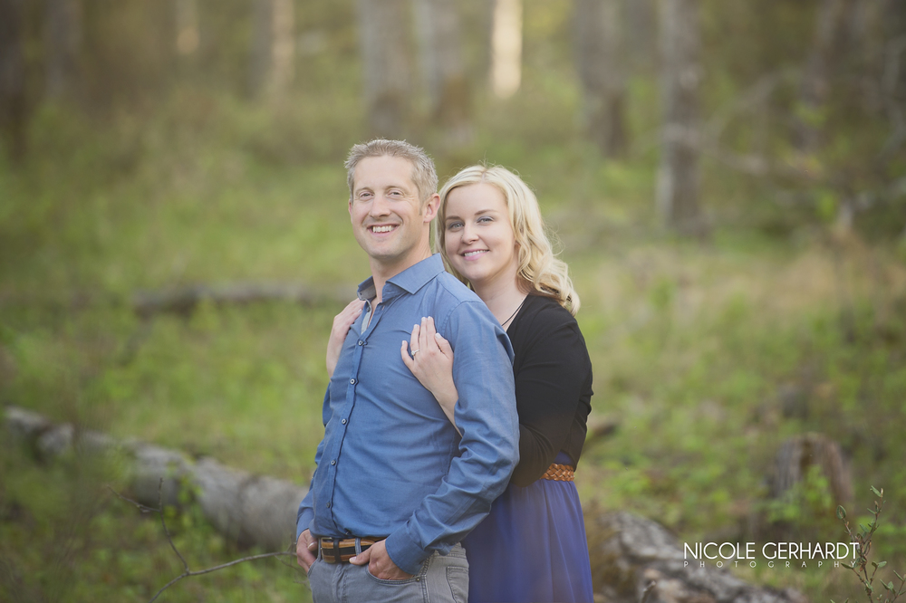 engagement_waskesiu_regina_travel_photographer_5.jpg