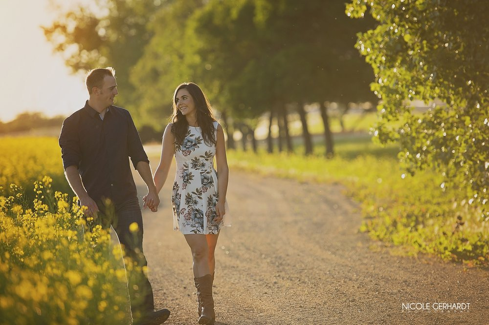 regina_engagement_wedding_photographer14.jpg